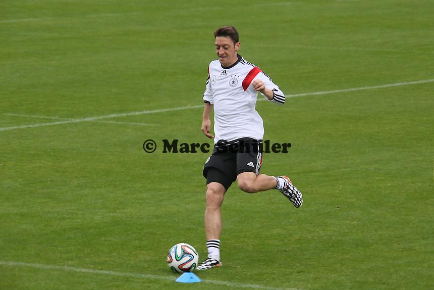 Mesut Özil - Trainingslager der Deutschen Nationalmannschaft zur WM-Vorbereitung in St. Martin