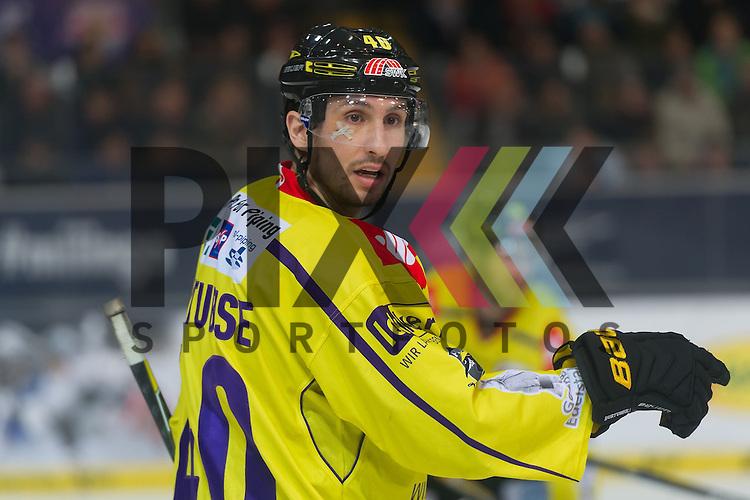 Eishockey, DEL, EHC Red Bull M&uuml;nchen - Krefeld Pinguine <br /> <br /> Im Bild Mark HURTUBISE (Krefeld Pinguine, 40) mit einem Cutt unter dem rechten Auge Einzelbild Freisteller beim Spiel in der DEL EHC Red Bull Muenchen - Krefeld Pinguine.<br /> <br /> Foto &copy; PIX-Sportfotos *** Foto ist honorarpflichtig! *** Auf Anfrage in hoeherer Qualitaet/Aufloesung. Belegexemplar erbeten. Veroeffentlichung ausschliesslich fuer journalistisch-publizistische Zwecke. For editorial use only.