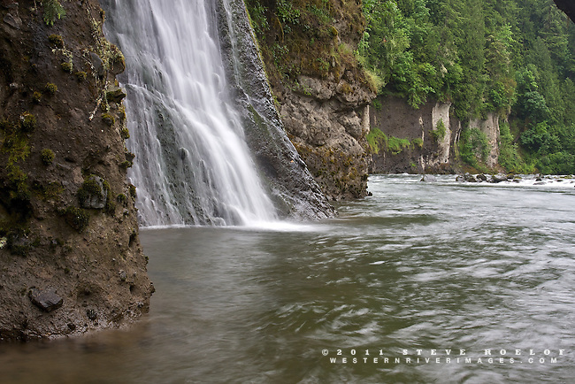 A waterfall into the Sandy River, Oregon