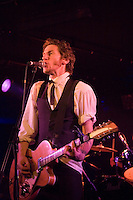 Tim Rogers and the Temperance Union performing at the Ian Rilen benefit concert, 5 October 2006