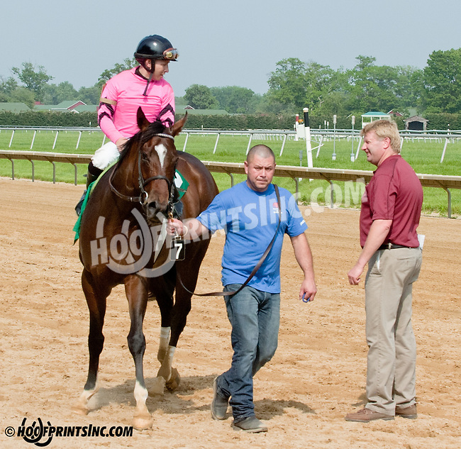 Makayla's Angel winning Delaware Park on 5/22/13