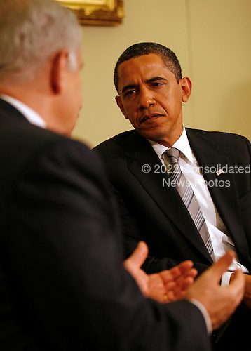 Washington, DC - May 18, 2009 -- United States President Barack Obama meets with Prime Minister Benjamin Netanyahu of Israel in the Oval Office of the White House,  Washington, DC, Monday, May 18, 2009. .Credit: Martin H. Simon - Pool via CNP