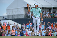 Jordan Spieth (USA) acknowledges the crowd after saving par on 18 during round 4 of the Houston Open, Golf Club of Houston, Houston, Texas. 4/1/2018.<br /> Picture: Golffile | Ken Murray<br /> <br /> <br /> All photo usage must carry mandatory copyright credit (&copy; Golffile | Ken Murray)