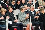 Le Roi Philippe de Belgique et la Reine Mathilde de Belgique étaient présent à Nieuport pour les commémorations de la Première Guerre Mondiale, en présence d' Angela Merkel Chancellière d'Allemagne, le Grand Duc de Luxembourg, La Princesse Beatrix, Princesse Lalla Meryem du Maroc, Monsieur JOHNSTON ET Mme Gouverneur du Canada,  Jean-Yves LE DRIAN Ministre de la Defence français , Janos ADER and Misses President de la République de Hongrie. La commémoration à eu lieu au Monument Albert à Nieuport, Belgique, le 28 octobre 2014