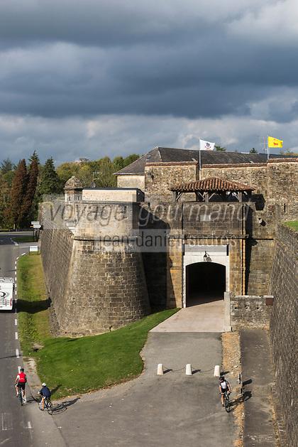 France, Aquitaine, Pyrénées-Atlantiques, Béarn, Navarrenx: Porte Saint-Antoine //  France, Pyrenees Atlantiques, Bearn, Navarrenx: Saint Antoine gate