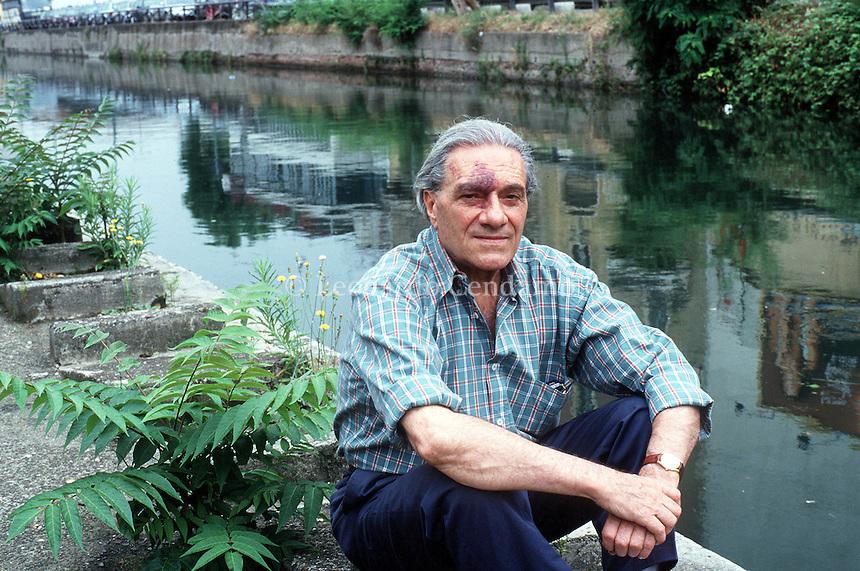 2000: CARLO CASTELLANETA, WRITER © Leonardo Cendamo