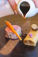 Europe/France/Rhône-Alpes/73/Savoie/Jongieux: Mignon de veau de lait cuit rosé, carbonara de champignons, et jus de rôti, recette de Michaël Arnoult : Restaurant: Les Morainières