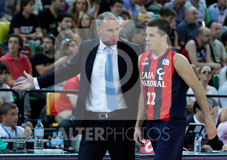 Caja Laboral's coach Dusko Ivanovic (l) and Thomas Heurtel during Supercopa ACB Final match.October 1,2011. (ALTERPHOTOS/Acero)