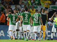 MEDELLIN- COLOMBIA - 24-11-2016: Los Jugadores de Atletico Nacional celebran la clasificación al empatar con Cerro Porteño de Paraguay, durante partido de vuelta entre Atletico Nacional de Colombia y Cerro Porteño de Paraguay por las semifinales de la Copa Suramericana en el estadio Atanasio Girardot de la ciudad de Medellin.  / The players of Atletico Nacional celebrate the qualifying after tying with Cerro Porteño of Paraguay during a match between Atletico Nacional of Colombia and Cerro Porteño of Paraguay for the second leg of the semifinals of the South American Cup at the Atanasio Girardot stadium in the city of Medellin. Photo: VizzorImage / Leon Monsalve / Cont.