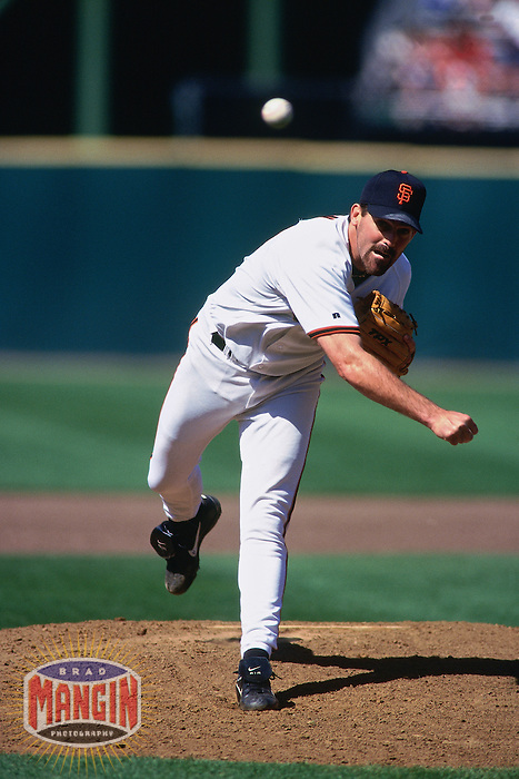SAN FRANCISCO, CA - Robb Nen of the San Francisco Giants pitches during a game on May 22, 1999 at Candlestick Park in San Francisco, California. (Photo by Brad Mangin)