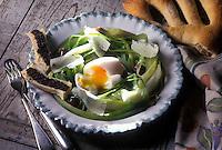 Gastronomie Générale: Oeuf mollet et jeunes poireaux à la tapenade