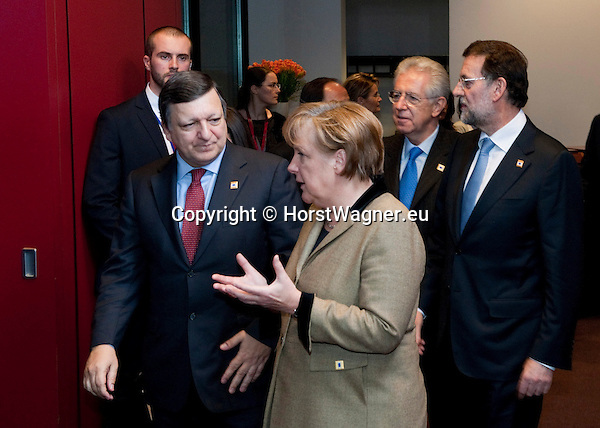 Brussels-Belgium - January 30, 2012 -- Extraordinary European Council, EU-summit, meeting of Heads of State / Government; here,  José (Jose) Manuel BARROSO (le), President of the European Commission, with Angela MERKEL (ce), Federal Chancellor of Germany; and Mario MONTI (2.ri), Prime Minister of Italy, with Mariano RAJOY BREY (ri), Prime Minister of Spain -- Photo: © HorstWagner.eu