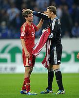 FUSSBALL   1. BUNDESLIGA   SAISON 2011/2012    6. SPIELTAG FC Schalke 04 - FC Bayern Muenchen                       18.09.2011 Thomas MUELLER (li) und Manuel NEUER (re, beide Bayern) freuen sich nach dem Abpfiff