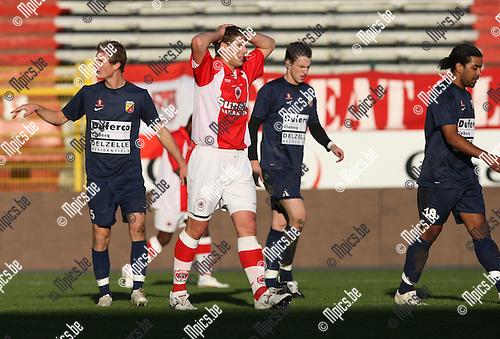 2009-11-08 / Voetbal / seizoen 2009-2010 / R. Antwerp FC - Tubize FC / Kevin Oris (Antwerp) met ongeloof na een gemiste kans..foto: mpics