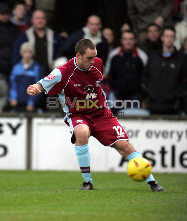 Pix: John Clifton/SWpix.com. Football... Scunthorpe v Bury. 15/01/2005...COPYRIGHT PICTURE>>SIMON WILKINSON>>01943 608782>>..Lee Ridley - Scunthorpe