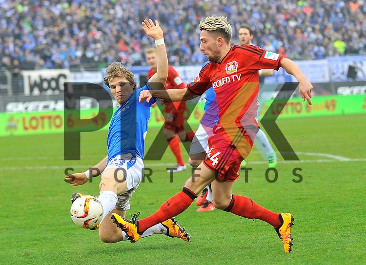 Leverkusens Kevin Kampl (44) gegen Darmstadts Jungwirth, Florian (Nr.23)  beim Spiel in der Bundesliga SV Darmstadt 98 (blau) - Bayer 04 Leverkusen (rot).<br /> <br /> Foto &copy; PIX-Sportfotos *** Foto ist honorarpflichtig! *** Auf Anfrage in hoeherer Qualitaet/Aufloesung. Belegexemplar erbeten. Veroeffentlichung ausschliesslich fuer journalistisch-publizistische Zwecke. For editorial use only.