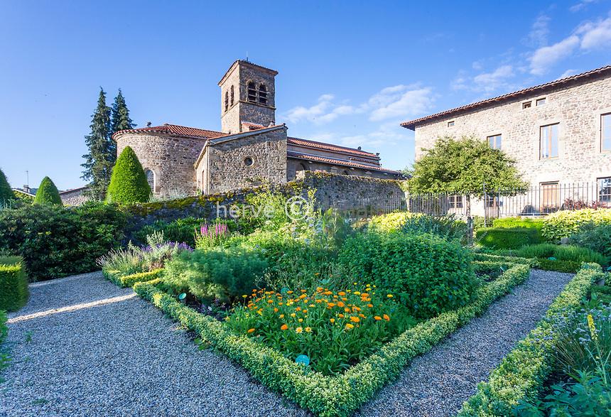 France, Loire (42), Saint-Étienne, Saint-Victor-sur-Loire, l'église et le jardin du château