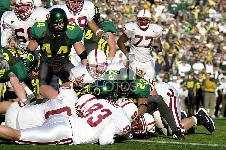 Kerry Carter is pushed into the endzone to take the lead in the fourth quarter during Stanford's 49-42 win over Oregon on October 20, 2001 at Eugene, OR.<br />
