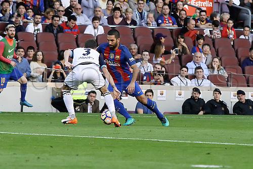 15.10.2016. Nou Camp, Barcelona, Spain. La Liga Football. Barcelona versus Deportivo. Turan is challenged by Navarro