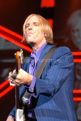 WEST PALM BEACH, FL - JUNE 08: Tom Petty &amp; The heartbreakers in concert at the Sound Advice Amphitheater in West Palm Beach on June 8, 2005 in West Palm Beach, Florida<br /> <br /> <br /> People:  Tom Petty<br /> <br /> Transmission Ref:  FLXX<br /> <br /> Hoo-Me.com / MediaPunch