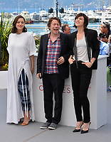 Marion Cotillard, Charlotte Gainsbourg &amp; Mathieu Amalric at the photocall for &quot;Ismael's Ghosts&quot; at the 70th Festival de Cannes, Cannes, France. 17 May 2017<br /> Picture: Paul Smith/Featureflash/SilverHub 0208 004 5359 sales@silverhubmedia.com