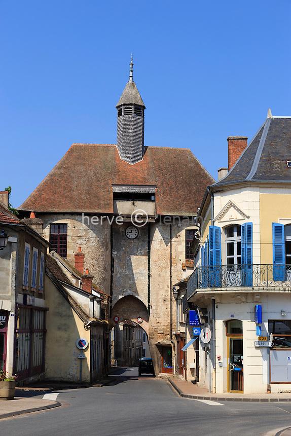France, Allier (03), Ainay-le-Château, la porte de l'Horloge // France, Allier, Ainay le Chateau, Gate Clock
