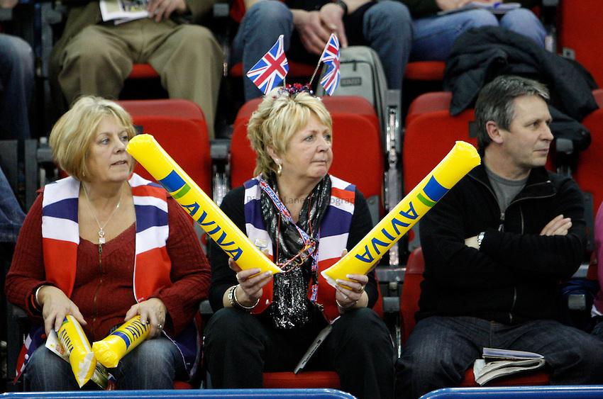 Photo: Richard Lane/Richard Lane Photography..Aviva Grand Prix. 21/02/2009. Athletics fans.