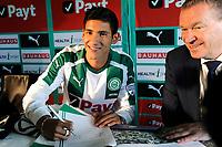 GRONINGEN - Voetbal, Presentatie Uriel Antuna , FC Groningen , Noordlease stadion, seizoen 2017-2018, 21-08-2017, Uriel Antuna tekent contract