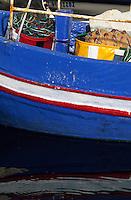 Europe/Chypre/Letchi : Bateau de pêche sur le port de pêche