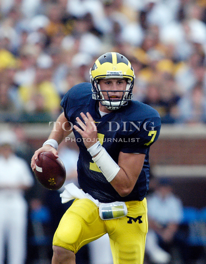 Michigan true freshman quarterback Chad Henne (7) during the Wolverines 30-17 victory over Iowa on Saturday, September 25, 2004 in Ann Arbor, Mich. (Photo by TONY DING / Daily)