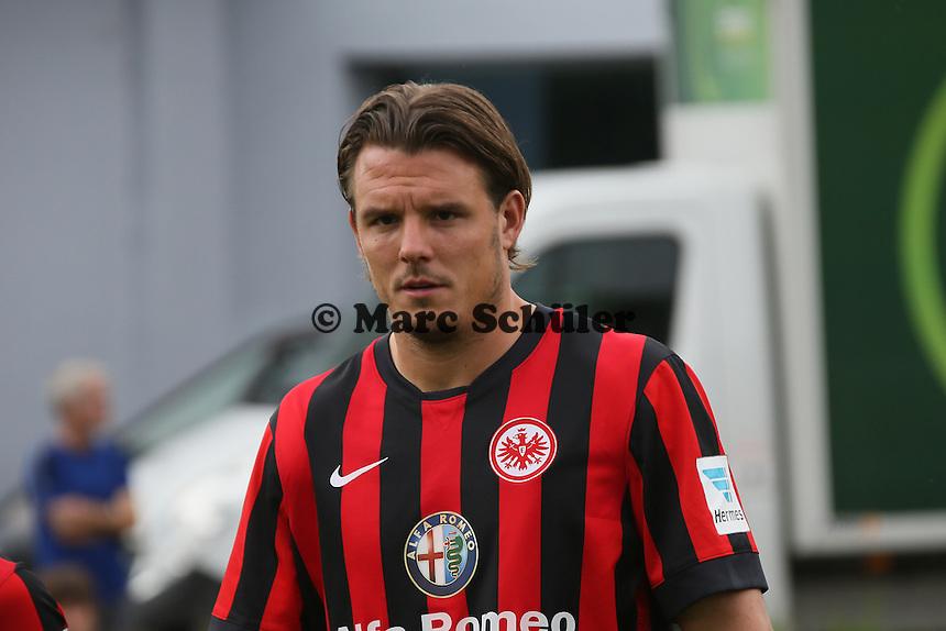 Alex Meier (Eintracht Frankfurt) kommt zum Fototermin