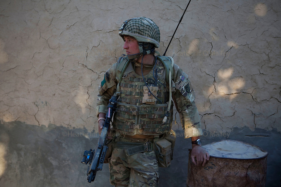 Mcc0027461 . Daily Telegraph..LCpl Ben Cunningham..Paratroopers from 5 platoon, B coy 3 Para on patrol out of PB Washiran in northern Nad e Ali....Helmand 26 November 2010