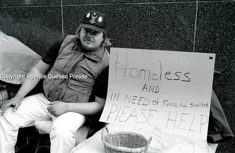 File Photo - homeless man San Francisco, CA, February 24, 1989.<br /> <br /> <br /> <br />  Photo :  Agence Quebec Presse- Pierre Roussel