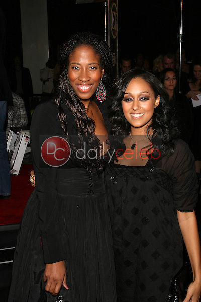 Shondrella Avery and Tia Mowry<br />