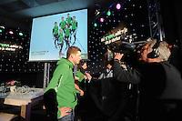 SCHAATSEN: HOOGEVEEN: hoofdkantoor TVM verzekeringen, 02-11-2012, Perspresentatie TVM schaatsploeg, Sven Kramer, ©foto Martin de Jong