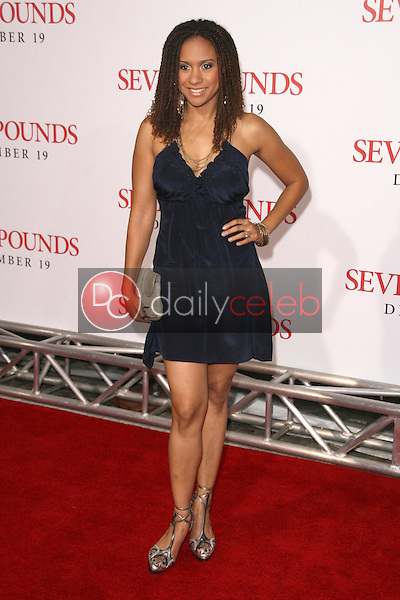 Tracie Thoms <br /> at the Los Angeles Premiere of 'Seven Pounds'. Mann Village Theatre, Westwood, CA. 12-16-08<br /> Dave Edwards/DailyCeleb.com 818-249-4998