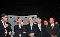 SAO PAULO, SP, 17 DE MAIO 2012 - DEMOCRATAS ANUNCIA APOIO AO CANDIDATURA DE JOSE SERRA -  O candidato a prefeitura de Sao Paulo, Jose Serra, e governador Geraldo Alckmin durante evento em que o Democratas anuncia apoio a candidatura de Jose Serra no Clube Homs na regiao da Avenida Paulista, nesta quinta-feira, 17. (FOTO: THAIS RIBEIRO / BRAZIL PHOTO PRESS).