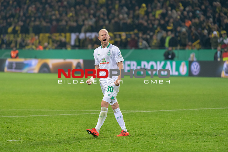05.02.2019, Signal Iduna Park, Dortmund, GER, DFB-Pokal, Achtelfinale, Borussia Dortmund vs Werder Bremen<br /> <br /> DFB REGULATIONS PROHIBIT ANY USE OF PHOTOGRAPHS AS IMAGE SEQUENCES AND/OR QUASI-VIDEO.<br /> <br /> im Bild / picture shows<br /> <br /> Jubel Davy Klaassen (Werder Bremen #30)<br /> Foto © nordphoto / Ewert