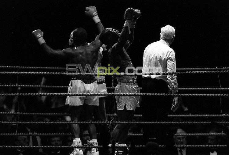 Pix:Michael Steele/SWpix..Boxing. Chris Eubank v Nigel Benn, Manchester...COPYRIGHT PICTURE>>SIMON WILKINSON..Chris Eubank Vs Nigel Benn, Manchester.