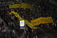 SAO PAULO 20 DE JUNHO DE 2013  - Manifestacao na Av. Paulista nesta quinta-feira(20), Passe Livre. (Foto: Amauri Nehn/Brazil Photo Press)