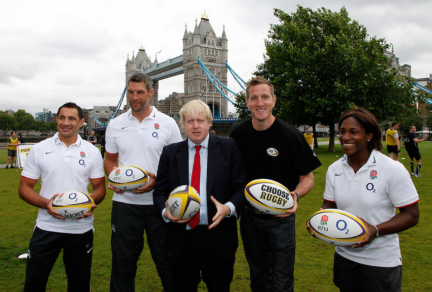 Photo: Richard Lane/Richard Lane Photography. O2 Touch Launch, an RFU initiative aiming to get England playing touch rugby at Potters Field, London. 17/06/2011. (lt to rt) England's Riki Flutey and Simon Shaw, Mayor of London, Boris Johnson, England World Cup winner Will Greenwood and England's Maggie Alphonsi.