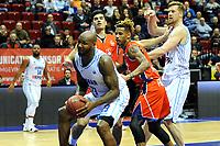 GRONINGEN - Basketbal, Donar New Heroes Den Bosch, kwartfinale NBB beker, seizoen 2018-2019, 14-01-2019, Donar speler LaRon Dendy met Den Bosch speler Jessey Voorn
