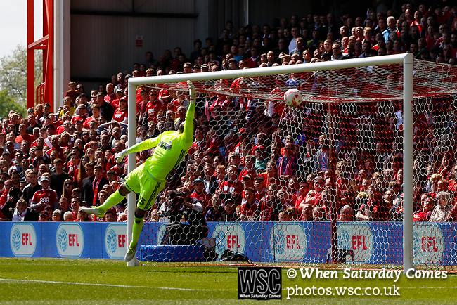 Nottingham Forest 3 Ipswich Town 0, 07/05/2017. City Ground, Championship. Bartosz Białkowski of Ipswich Town is beaten by a long shot from Chris Cohen of Nottingham Forest during the game between Nottingham Forest v Ipswich Town at the City Ground Nottingham in the SkyBet Championship. Photo by Paul Thompson.