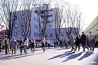 Milano 13-04-2013: visitatori nella zona Tortona durante il Salone del Mobile 2013..Milan: visitors at Tortona  zone during the Milan Design Week 2013