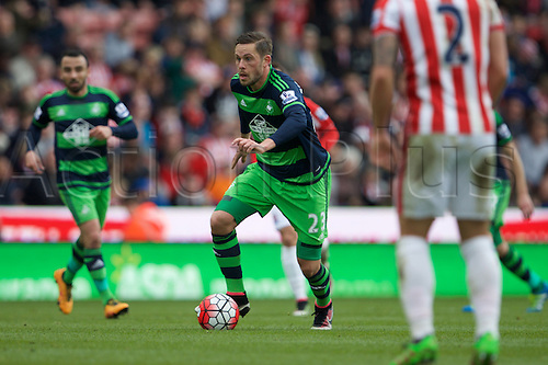 02.04.2016. Britannia Stadium, Stoke, England. Barclays Premier League. Stoke City versus Swansea City.  Swansea City midfielder Gylfi Sigurdsson drives forward.