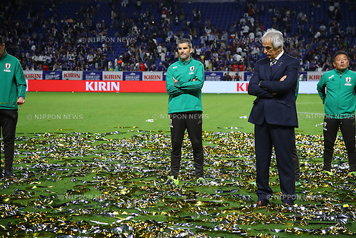 (2R-L)   Vahid Halilhodzic,   Cyril Moine (JPN),<br /> JUNE 7, 2016 - Football / Soccer :<br /> Japan's head coach Vahid Halilhodzic looks dejected after the Kirin Cup Soccer 2016 Final match between Japan 1-2 Bosnia and Herzegovina at Suita City Football Stadium in Osaka, Japan. (Photo by Kenzaburo Matsuoka/AFLO)
