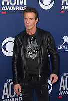 LAS VEGAS, NEVADA - APRIL 07: Dennis Quaid attends the 54th Academy Of Country Music Awards at MGM Grand Hotel &amp; Casino on April 07, 2019 in Las Vegas, Nevada. <br /> CAP/MPIIS<br /> &copy;MPIIS/Capital Pictures