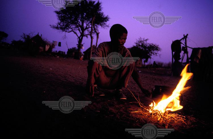 © Paul Weinberg / Panos Pictures..Bushman settlement, Bushmanland, Namibia