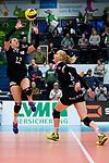03.12.2017, Halle Berg Fidel, Muenster<br />Volleyball, Bundesliga Frauen, Normalrunde, USC MŸnster / Muenster vs. Rote Raben Vilsbiburg<br /><br />Zuspiel Clarisa Sagardia (#12 Vilsbiburg), Leonie Schwertmann (#18 Vilsbiburg)<br /><br />  Foto &copy; nordphoto / Kurth
