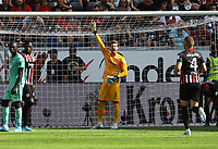 Torwart Kevin Trapp (Eintracht Frankfurt) - 18.08.2019: Eintracht Frankfurt vs. TSG 1899 Hoffenheim, Commerzbank Arena, 1. Spieltag Saison 2019/20 DISCLAIMER: DFL regulations prohibit any use of photographs as image sequences and/or quasi-video.